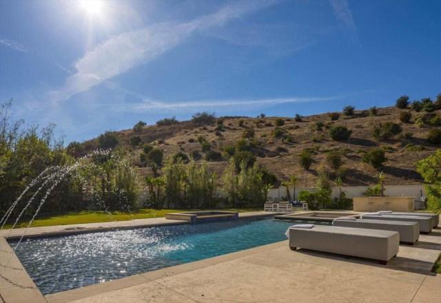 Katie Holmes shedding $4.625m Calabasas mansion