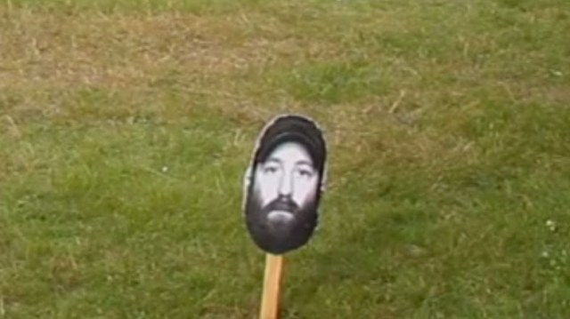 GEOFF'S HEAD ON A STICK!