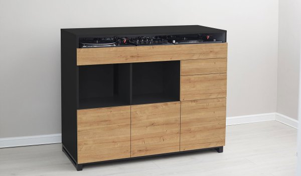 Roomy DJ makes your ugly setup living room friendly