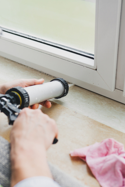 stopping stink bugs with caulking