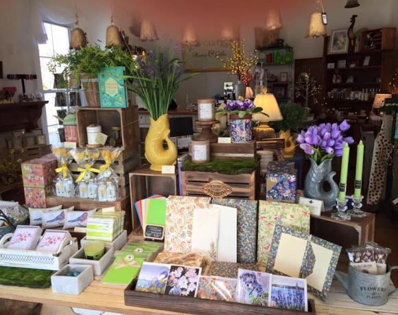 B. Carver's Gift Shop