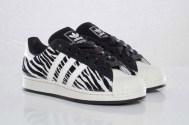 adidas-originals-superstar-2-zebra-pair-1-640x426