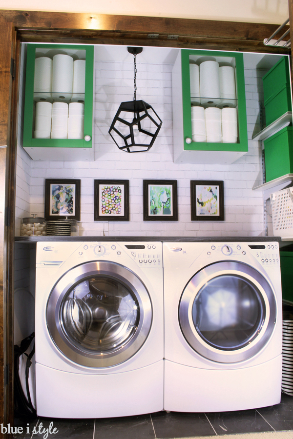 Blue i Style - LaundryClosetStraightOn