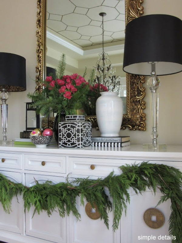 Christmas Home Tour - Dining Room - Buffet Styling
