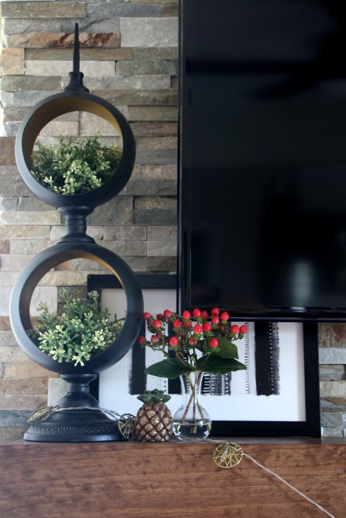 Summer Home Tour - Summer styled mantel - Rustic modern mantel - fresh flowers - Eclectic summer home tour - This is our Bliss