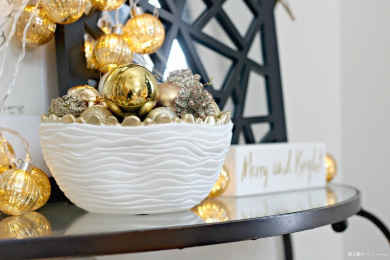 A Merry and Metallic Christmas Home | 12 Days of Holiday Homes Tour 2016: This is our Bliss Christmas Living Room | Entryway Table || www.thisisourbliss.com