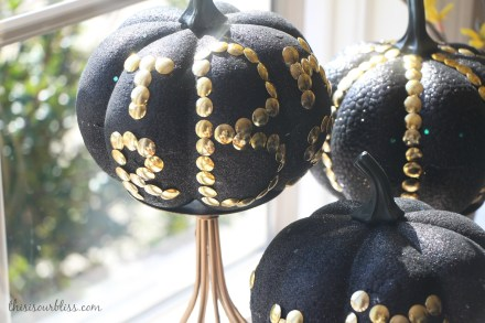 DIY Black & Gold pumpkins w Dollar Store thumb tacks Glitz & Glam Decor