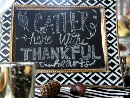 DIY faux chalkboard art - gather here with thankful hearts - thanksgiving tablescape - fall decor