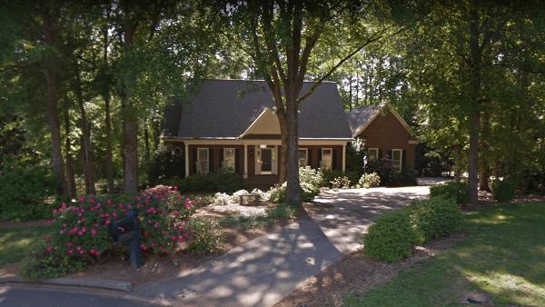 House at 5 Broken Pine Court