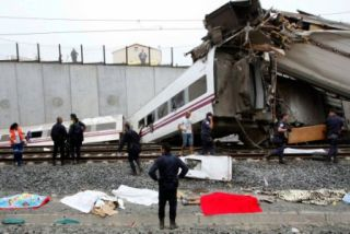 'COMMERCIAL REASONS' ATTRIBUTED TO SANTIAGO TRAIN CRASH