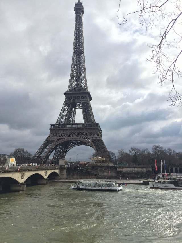 la gran torre Eiffel