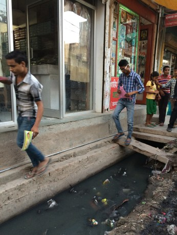 Overview Sangam Vihar - open drains and a lack of place_Daniel Grenz