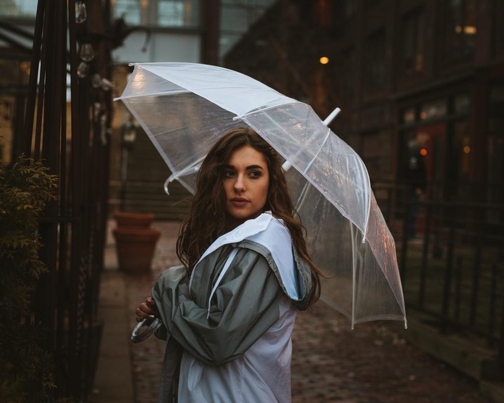 Η Ζωή είναι για να μάθουμε να χορεύουμε στην Βροχή! –Thisisus.gr