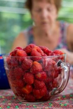 8 tas de fraises préparé par Grand-maman