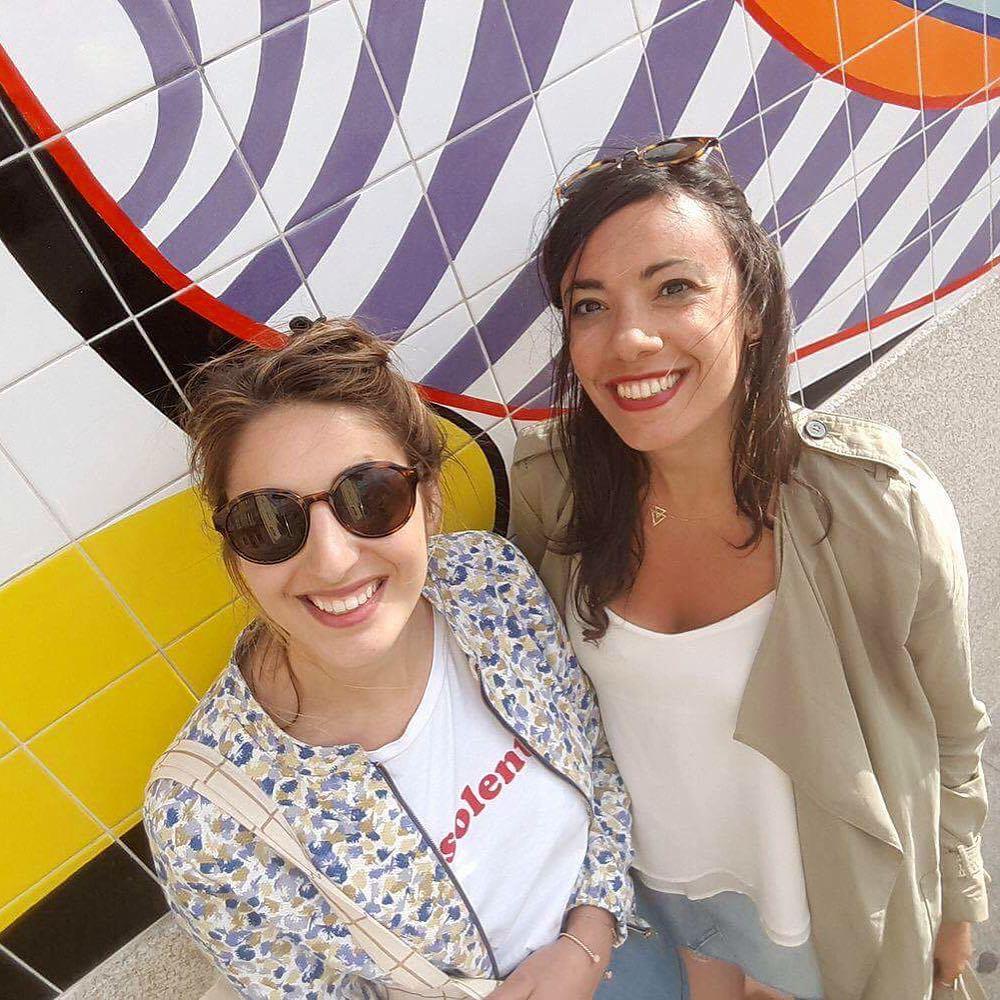 Ol ! En mode selfie devant les murs colors