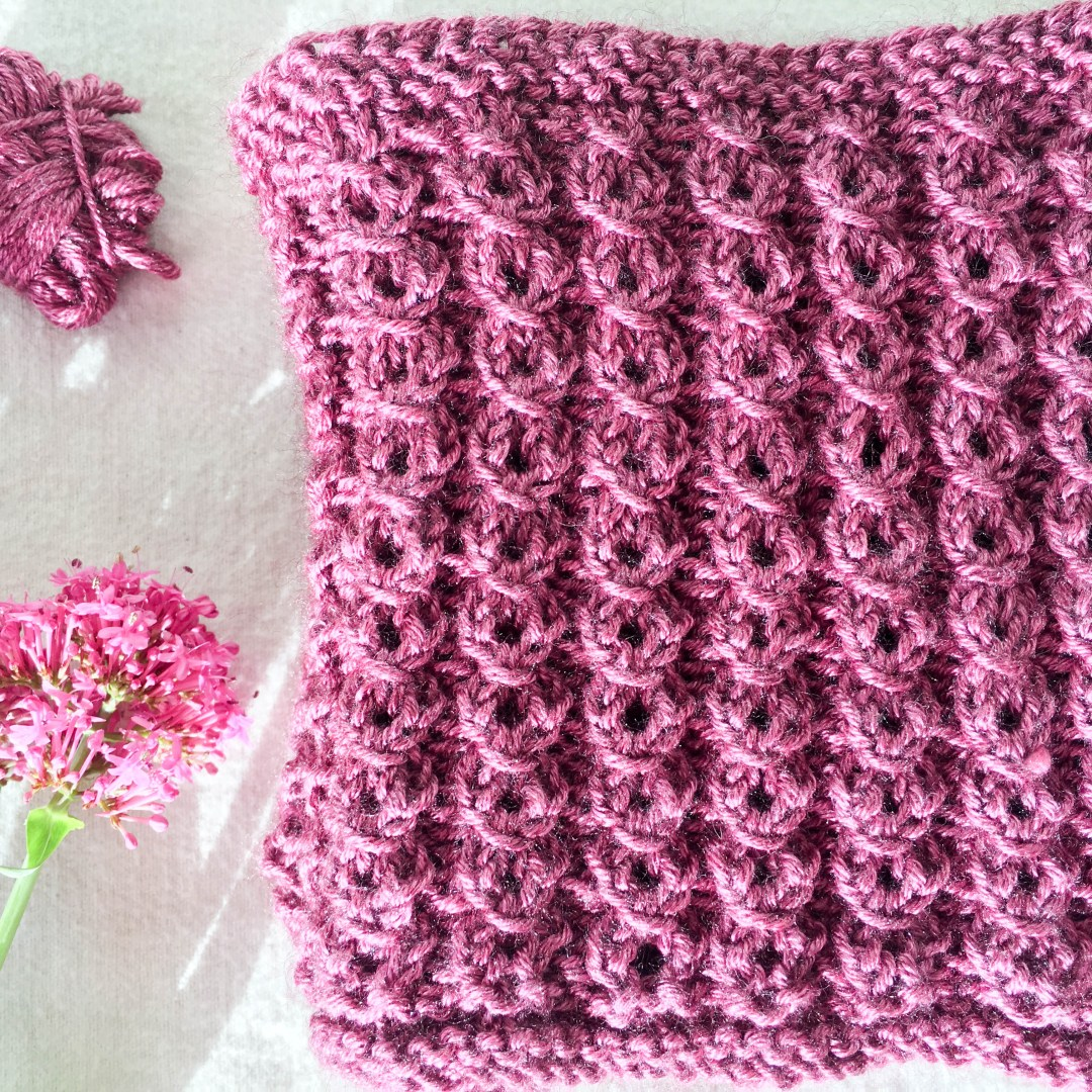 The cowl of all cowls. Dreamy. Silk/yak yarn and a perfect stitch pattern. Heaven in an accessory.