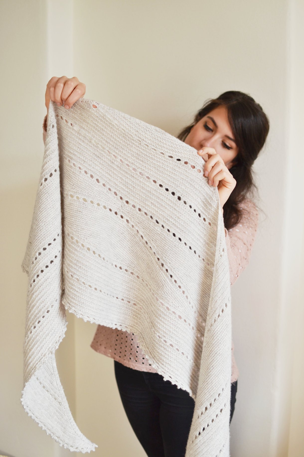 Mandarine's Hollows Shawl