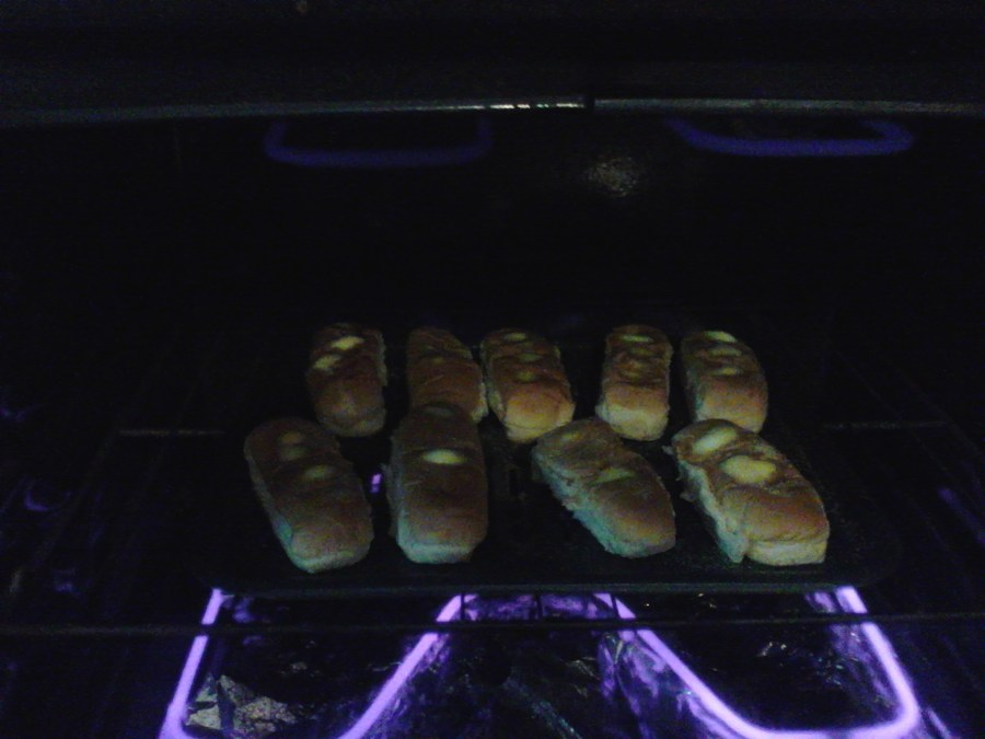 Garlic Bread Loaves on a Budget!