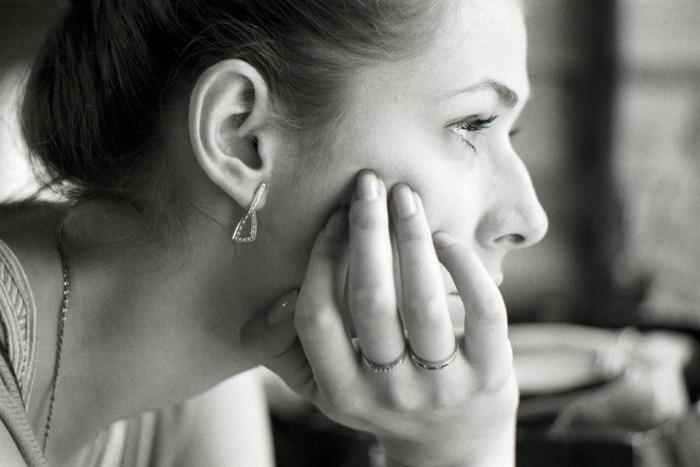 lady-thinking