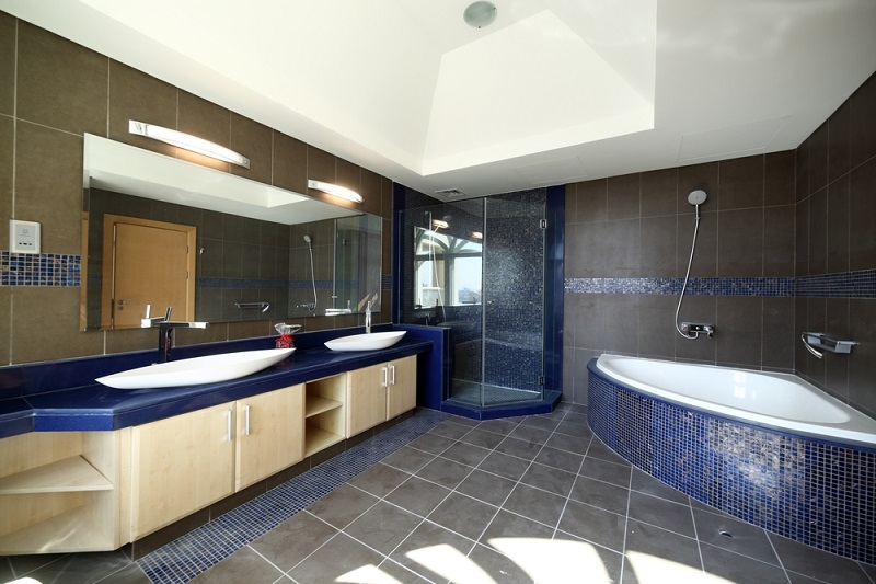 How To Improve Your Small Bathroom By Renovating This Lady Blogs - Local bathroom stores