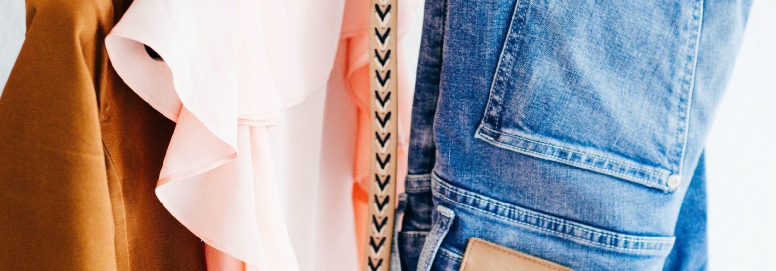 6 Steps to Decluttering & Organising Your Wardrobe