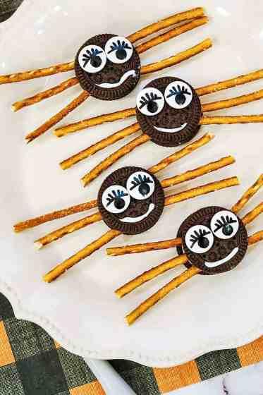 easy Halloween treats to make with Oreos