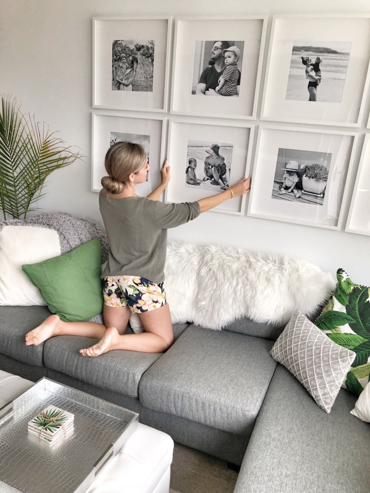 How to create a grid-style gallery wall of family photos! • This