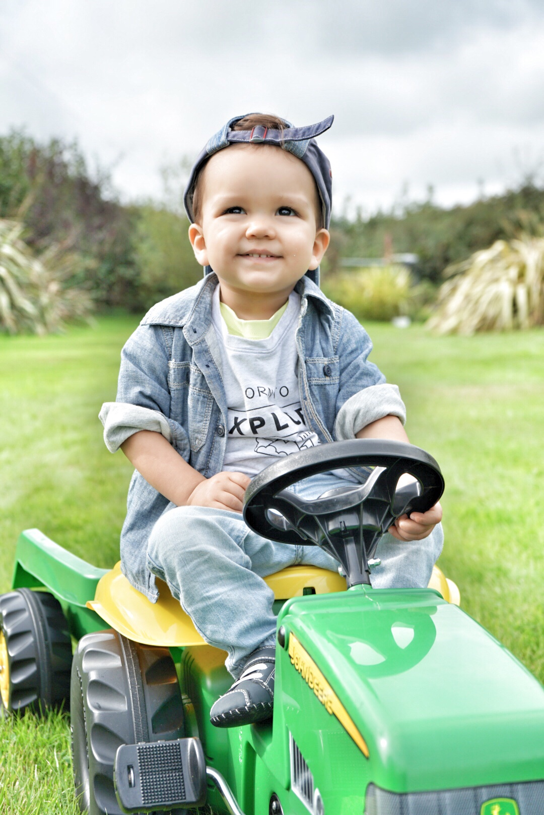 toddler tractor ride