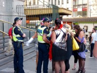 PSOs and girls at Flinders St