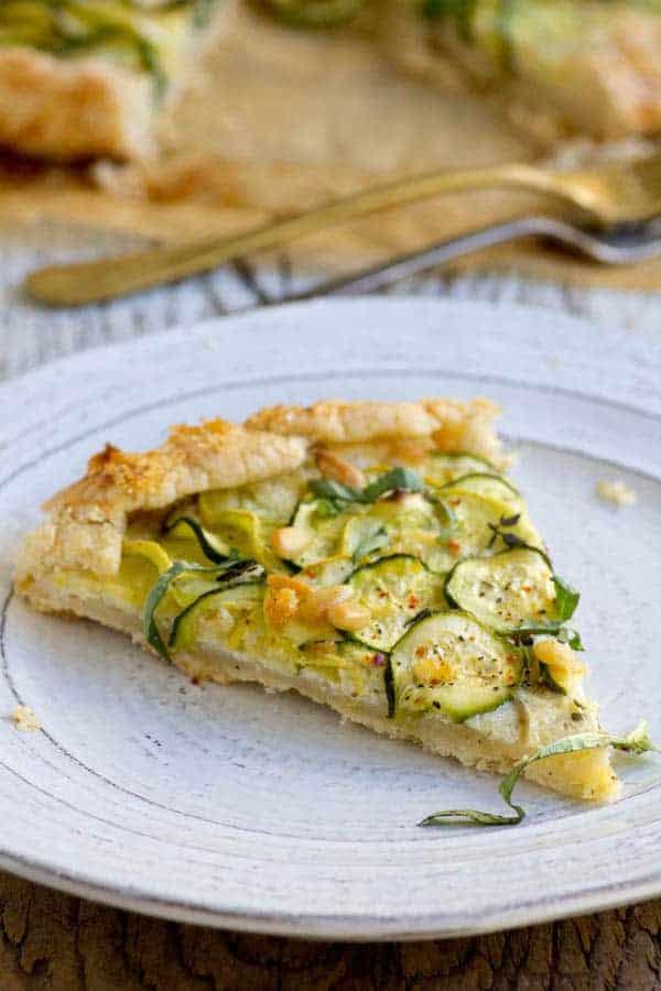 Gluten Free Summer Squash and Ricotta Galette recipe by @beardandbonnet www.beardandbonnet.com