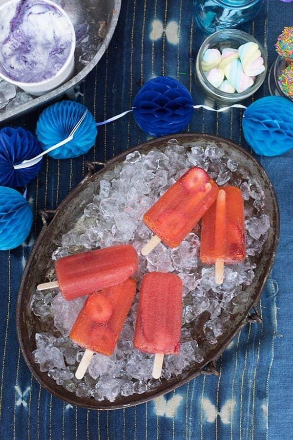 Strawberry Aperol Spritz Poptails recipe || @thismessisours #FriendsWhoFete