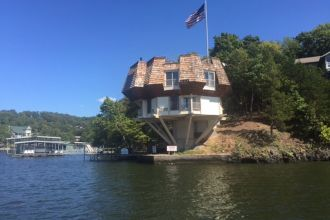 Lake of the Ozarks Lodging Pedestal House