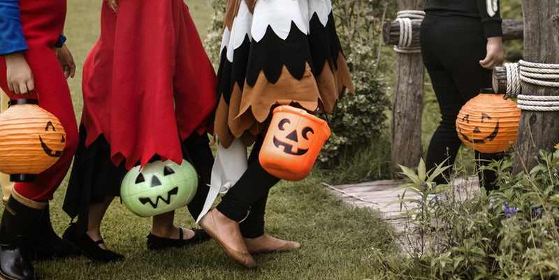 Halloween Safety Tips For Parents trick or treat