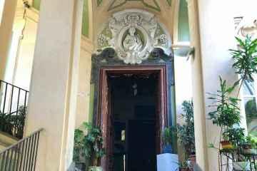 stemma palazzo dello spagnolo napoli