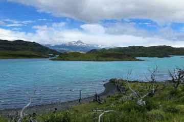 lago sul sentiero mirador cuernos