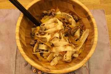 ricetta noodles di riso con carne