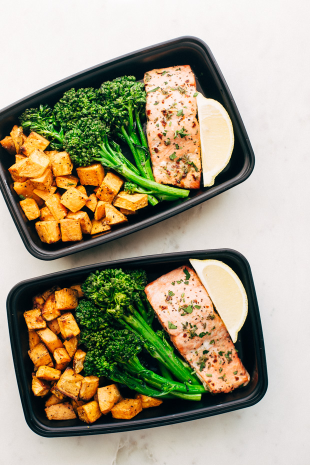 You'll have lunches and dinners for days with these amazing meal prep bowl ideas! Cook once and eat all week!
