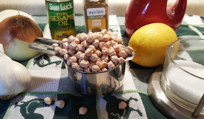 Cast of Ingredients for Pressure Cooker Roasted Onion Garlic Hummus