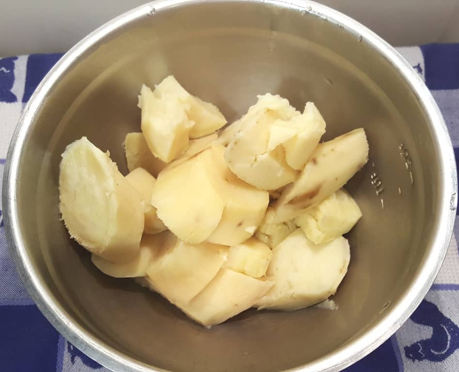 Add to a bowl and fork mash