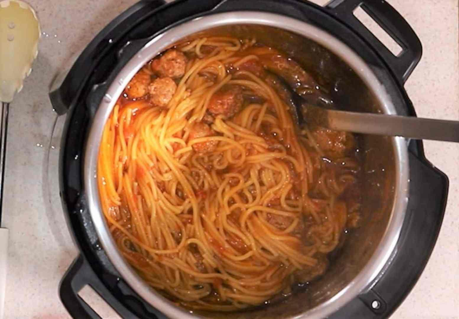 Stir Spaghetti Around to Remove Any Clumps