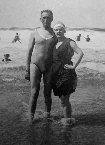Adolf Loos and Elsie in Sylt island, 1921