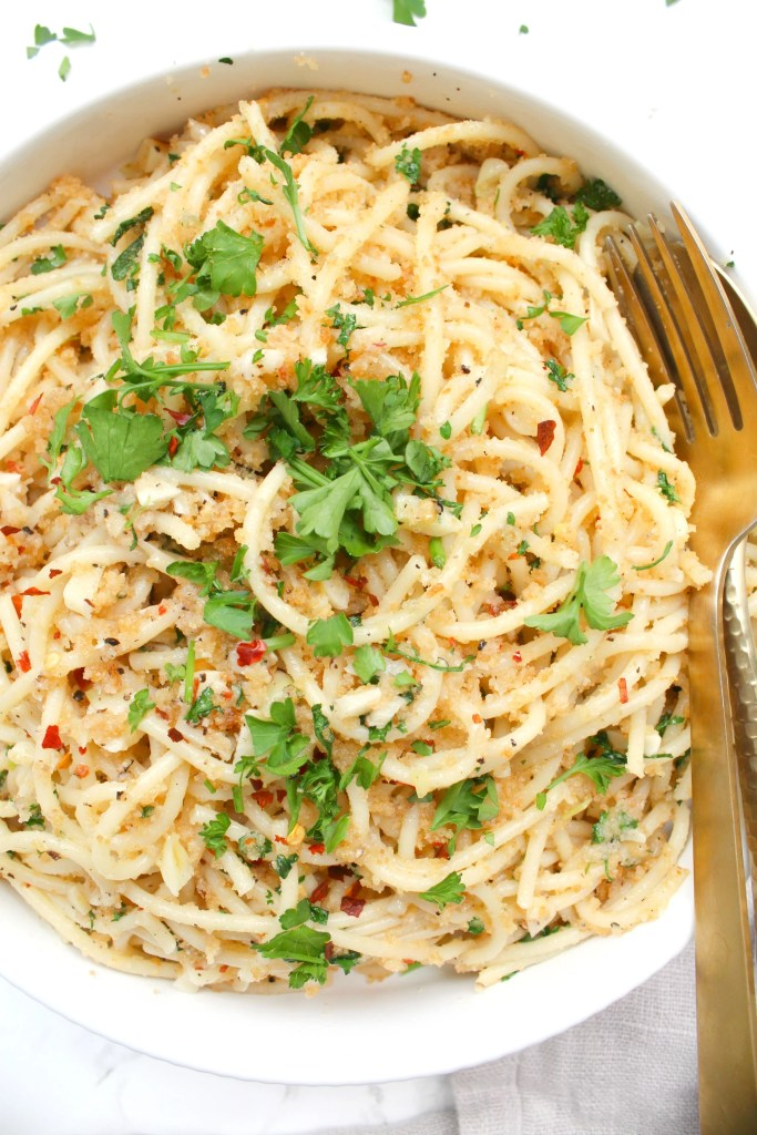These Vegan Butter Garlic Noodles with Toasted Breadcrumbs are a simple pasta dish with all kinds of flavor. The breadcrumbs add a crunch that is next level delicious   ThisSavoryVegan.com #thissavoryvegan #veganpasta