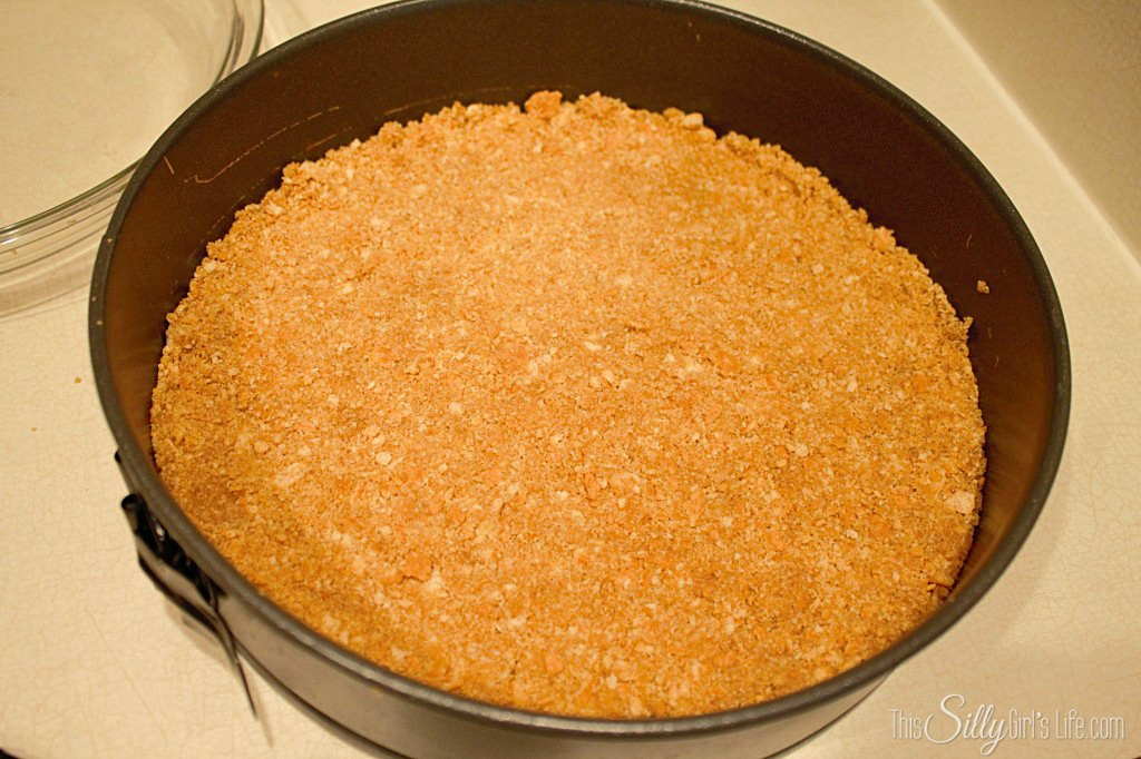 "Pumpkin Swirl Cheesecake with Vanilla ""Sauce"" recipe from https://ThisSillyGirlsLife.com #Cheesecake #Pumpkin #FallRecipes #Vanilla"