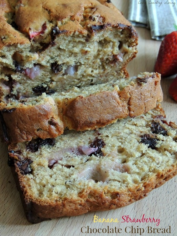 Banana_Strawberry_Chocolate_Chip_Bread
