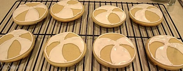 fill in three of the sections with white royal icing.