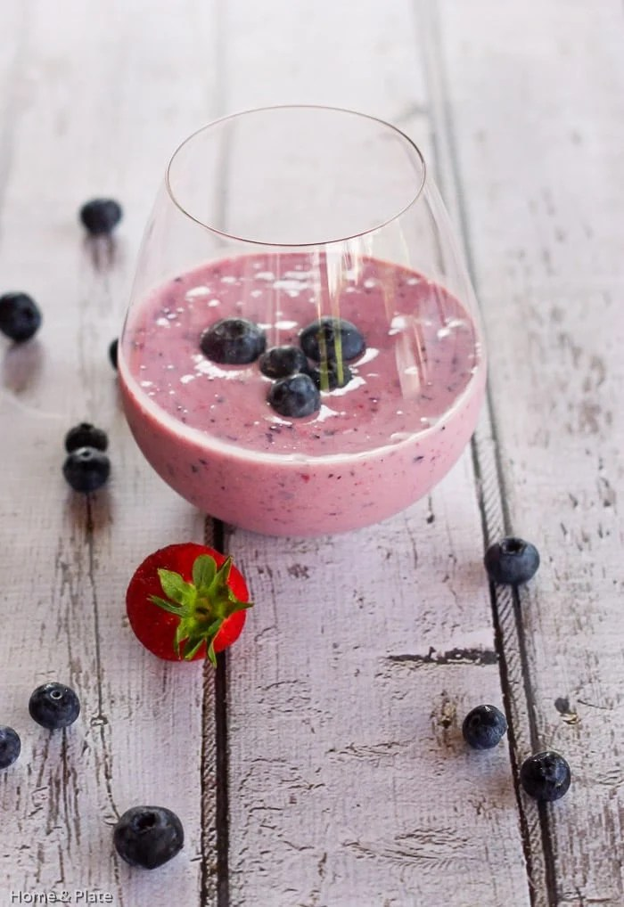 Easy Blueberry Smoothie, blueberries, bananas and yogurt make this an easy, healthy, fast breakfast option!
