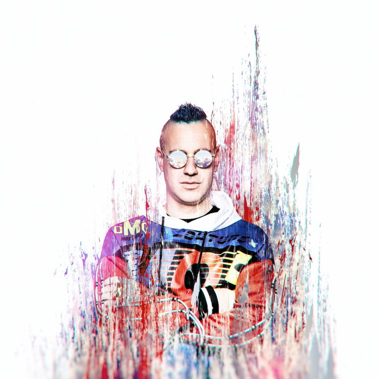 Brillz Press Shot