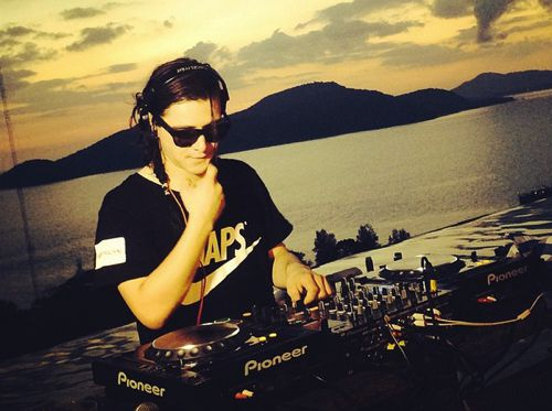 Listen To Skrillex's Entire Lollapalooza Chile 2015 Set Full Of Unreleased New Music