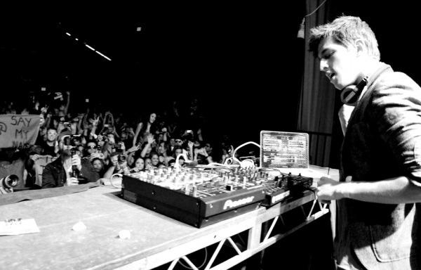 Porter Robinson - Say My Name (Conspirator Remix) : Heavy Electro