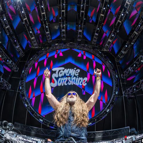 [PREMIERE] Tommie Sunshine - Ultra Music Festival 2014 Live Set [Free Download]